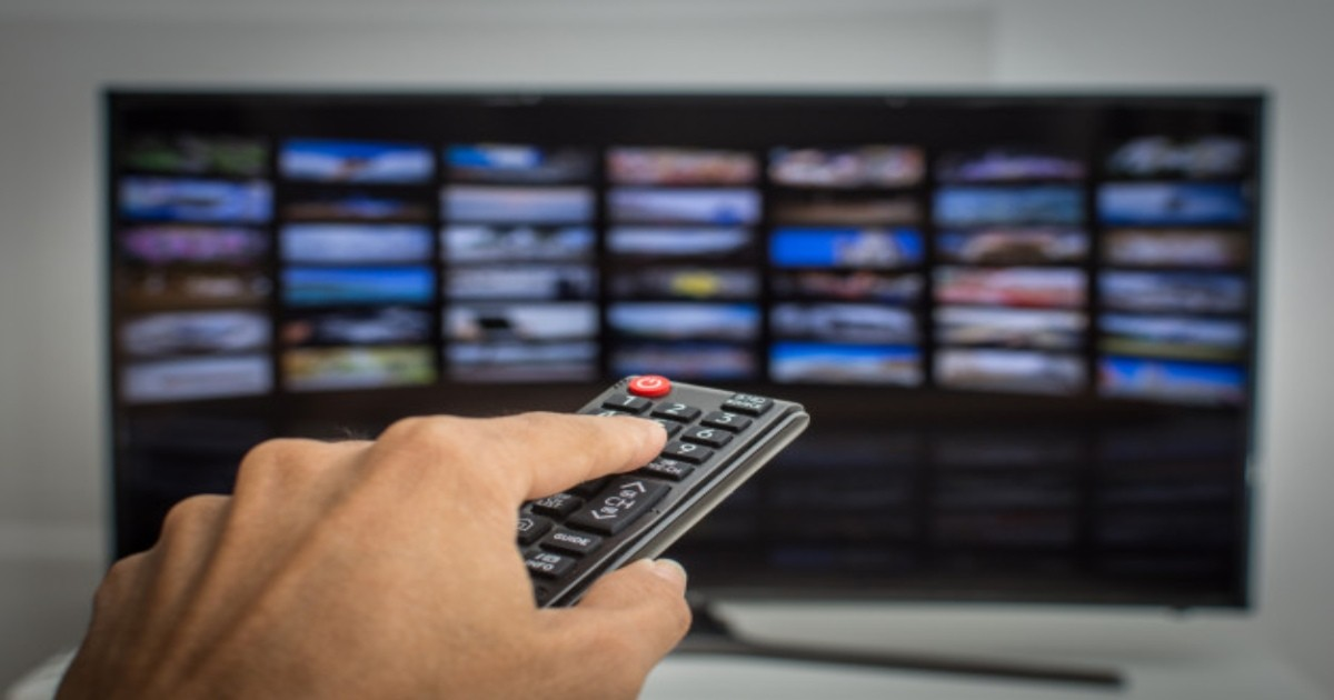 tv-control-mano-estudio-tv-cable-streaming-ccr-cuore